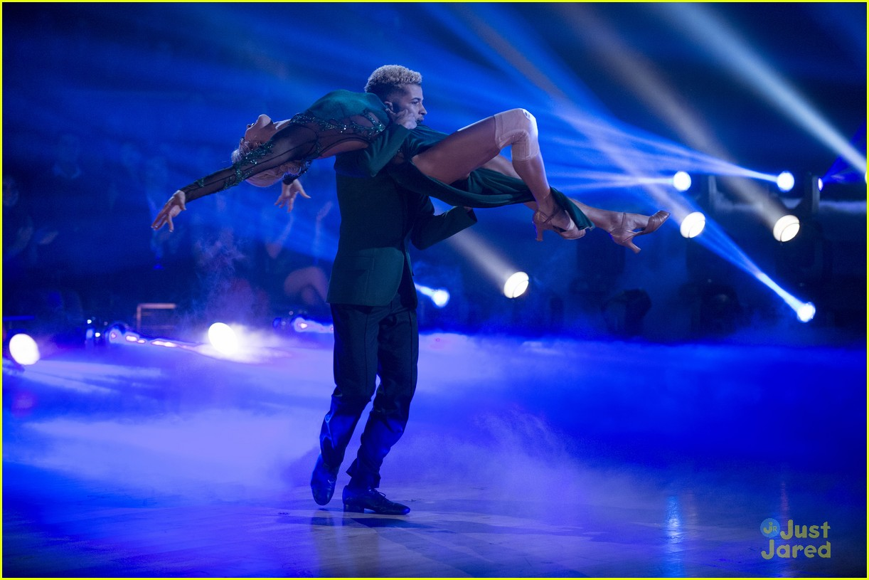 jordan fisher hurts lindsay arnold dwts reactions jive 10