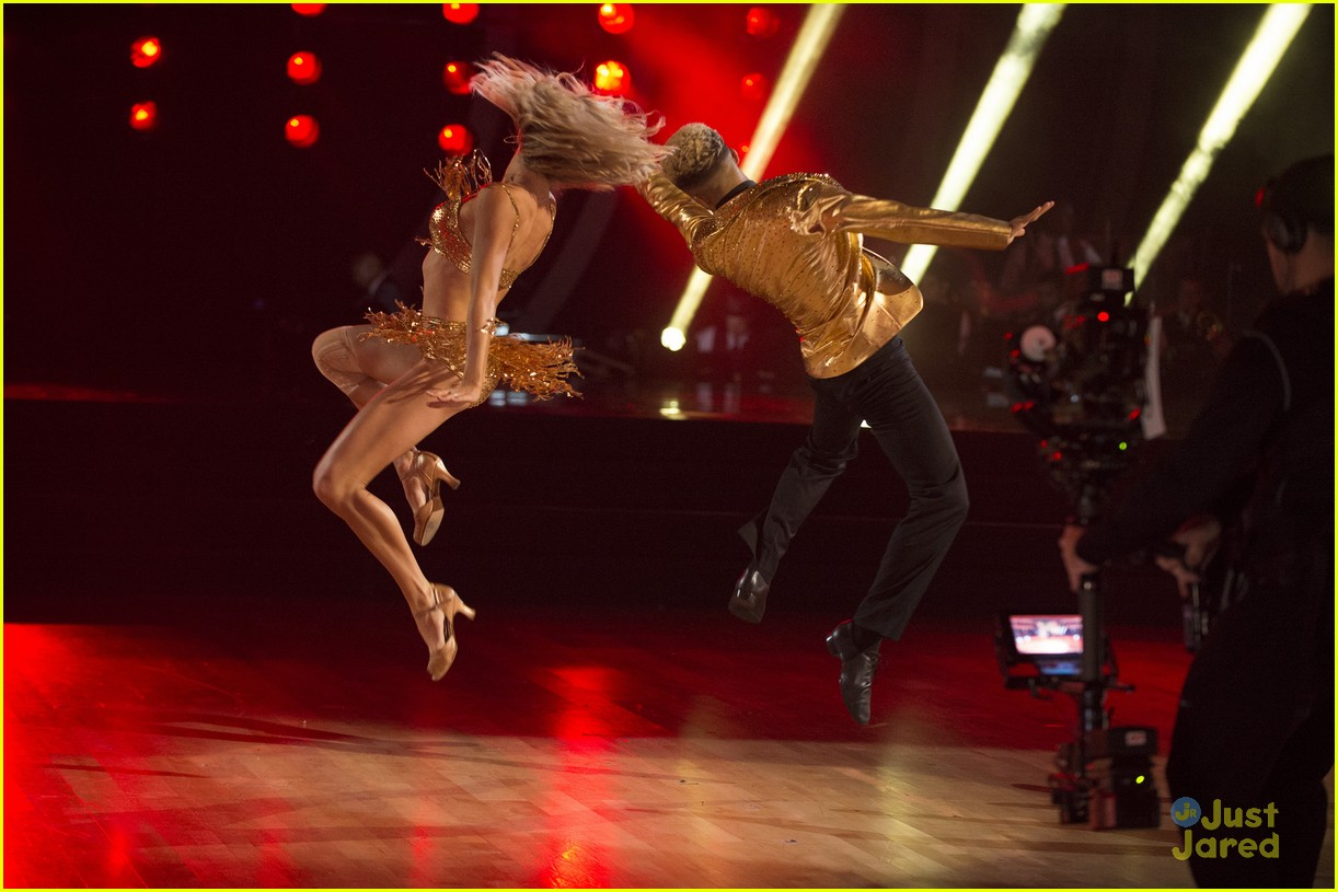 jordan fisher hurts lindsay arnold dwts reactions jive 14