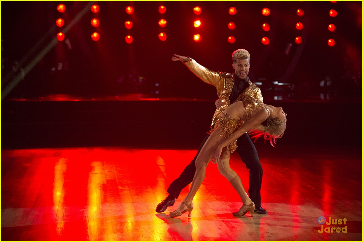 jordan fisher hurts lindsay arnold dwts reactions jive 18