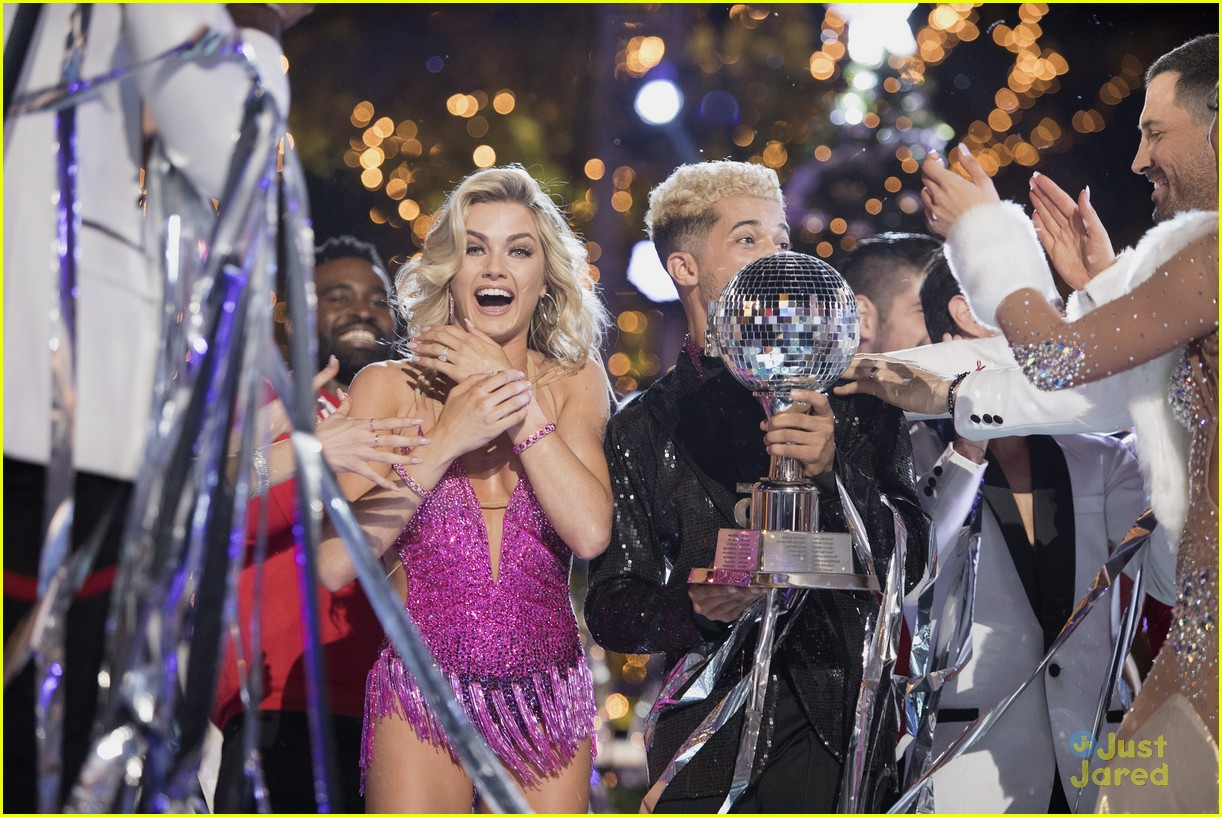 lindsay arnold win dwts25 pros praise comments 05