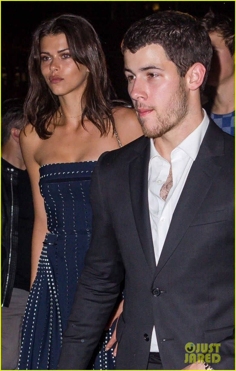 nick jonas is dating georgia fowler 01