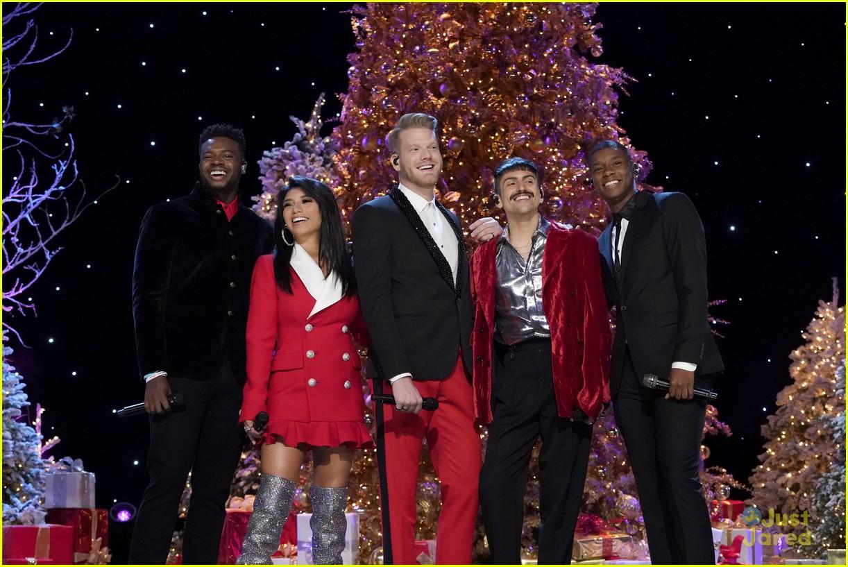 A Very Pentatonix Christmas.Pentatonix Debut Deck The Halls Music Video Ahead Of A