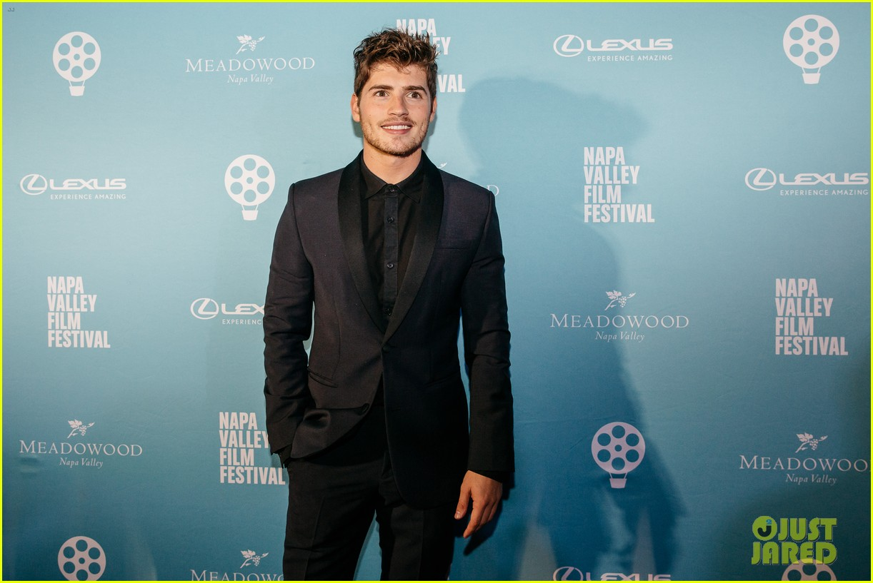 gregg sulkin odeya rush rising stars at napa valley film festival 01