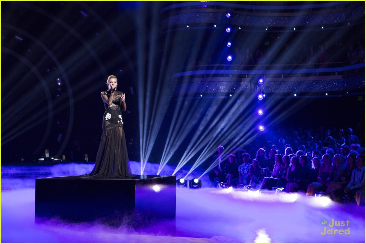 val jenna kelsea ballerini performance dwts finals 04