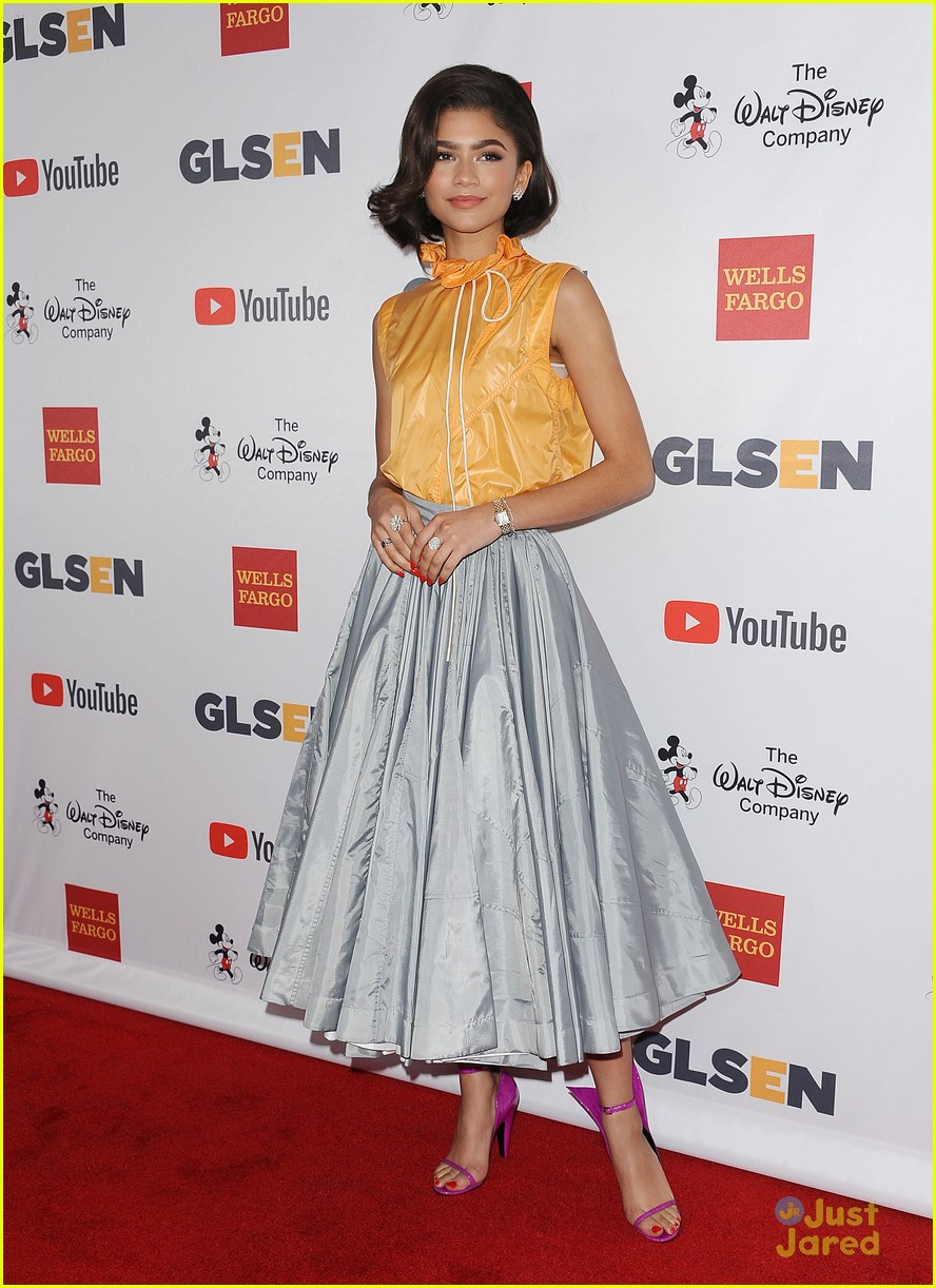 zendaya vintage glam fashion reasons 04