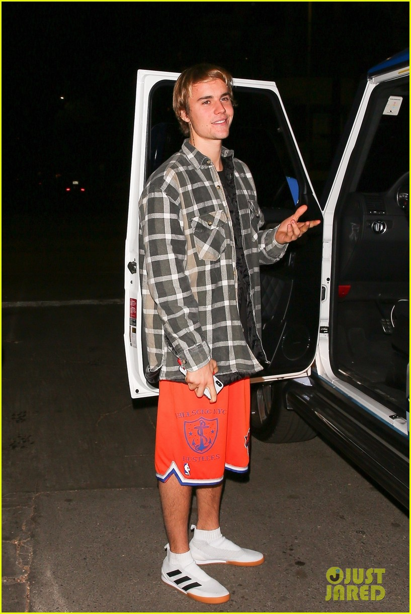 Justin Bieber Customized His Car For Christmas! | Photo 1129492 ...