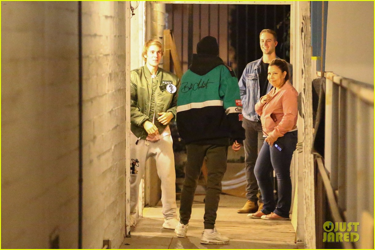 justin bieber selena gomez church services 23