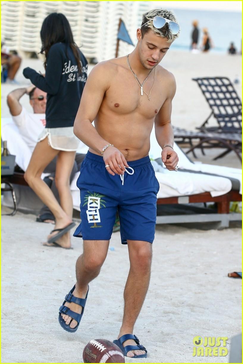 cameron dallas goes shirtless on nye 21