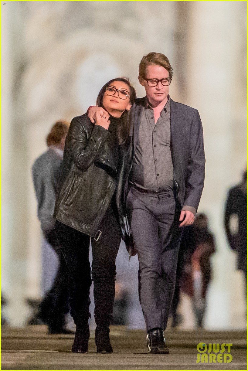 macaulay culkin brenda song look so in love in new photos 01