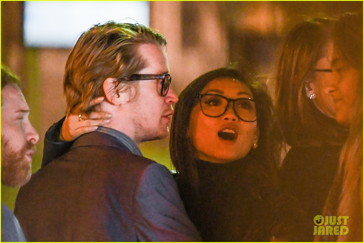 macaulay culkin brenda song look so in love in new photos 02