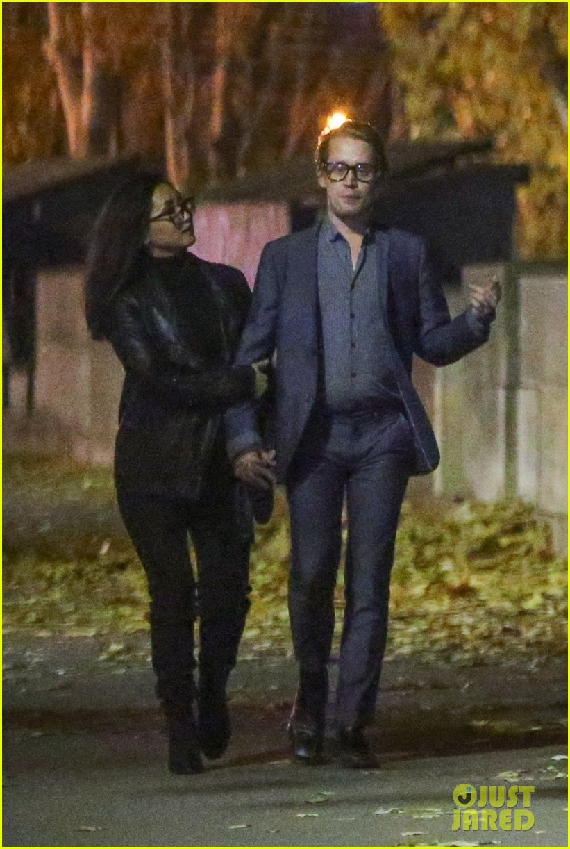 macaulay culkin brenda song look so in love in new photos 21