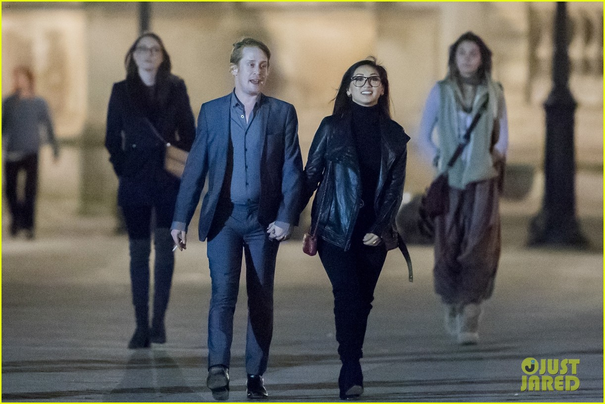 macaulay culkin brenda song look so in love in new photos 26