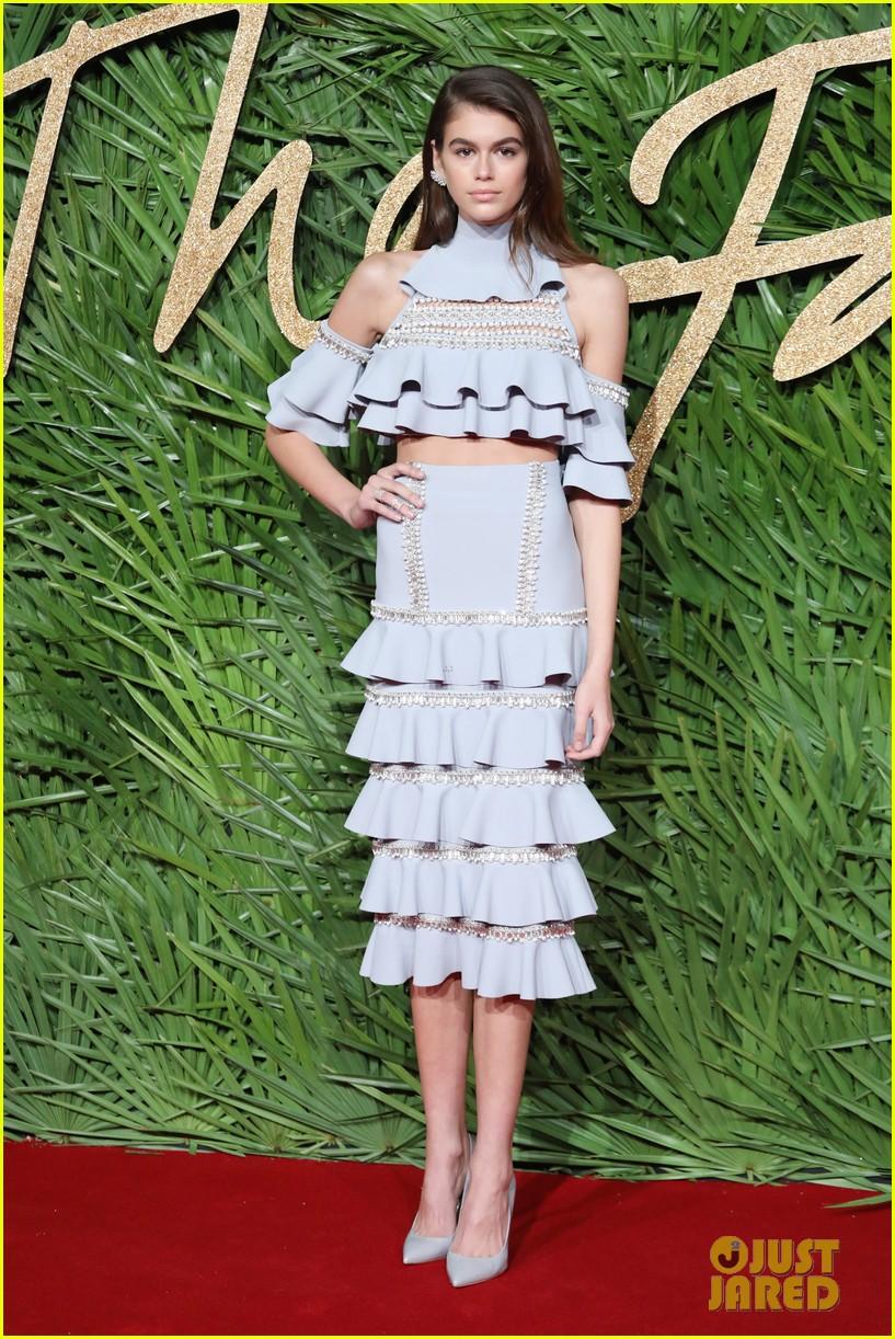 kaia gerber fashion awards 2017 12