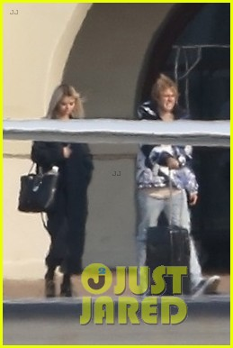 selena gomez justin bieber jet out of town together 04