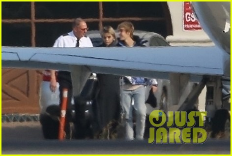 selena gomez justin bieber jet out of town together 13