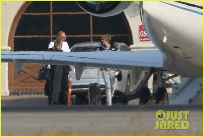 selena gomez justin bieber jet out of town together 18