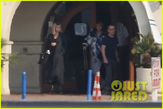 selena gomez justin bieber jet out of town together 31