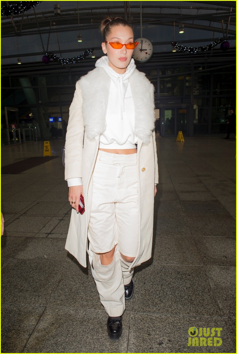 bella hadid grabs dinner with friends in london 02