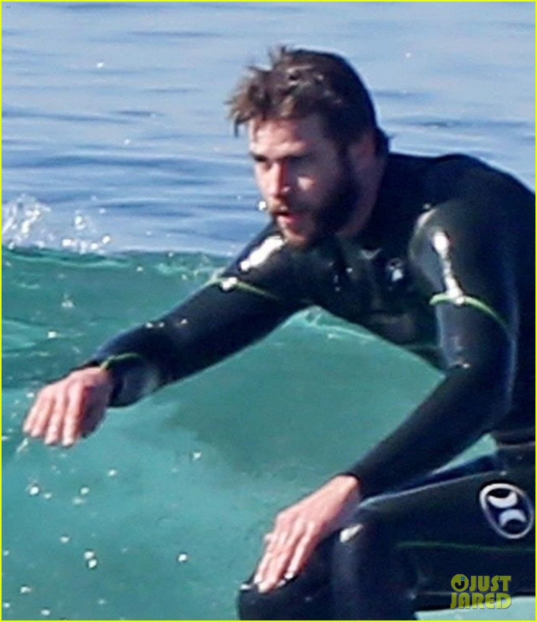 liam hemsworth gets shirtless after surfing in malibu see pics 04