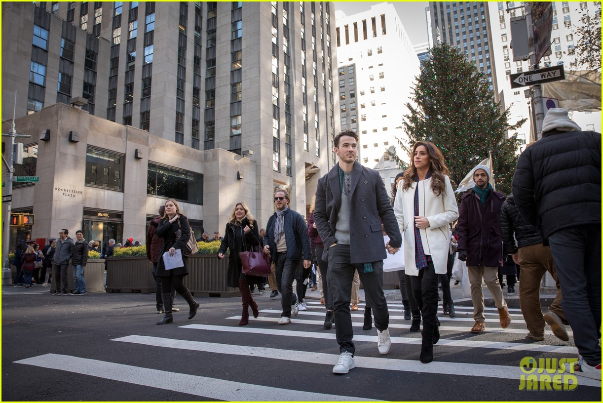 kevin jonas danielle jonas ben sherman taxis sophie join family quotes 07