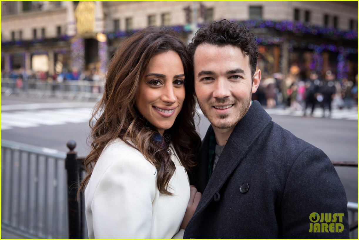 kevin jonas danielle jonas ben sherman taxis sophie join family quotes 18