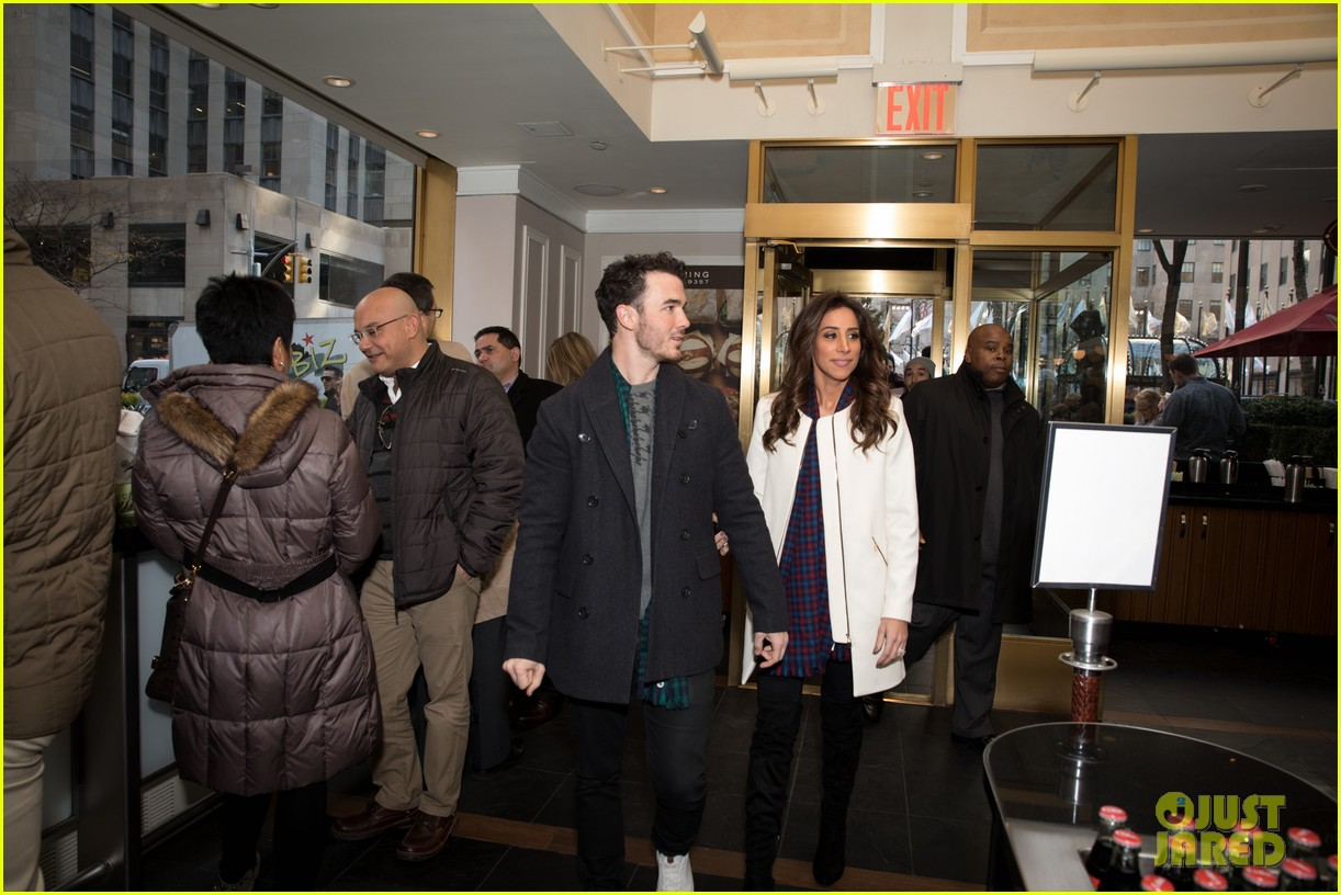 kevin jonas danielle jonas ben sherman taxis sophie join family quotes 21