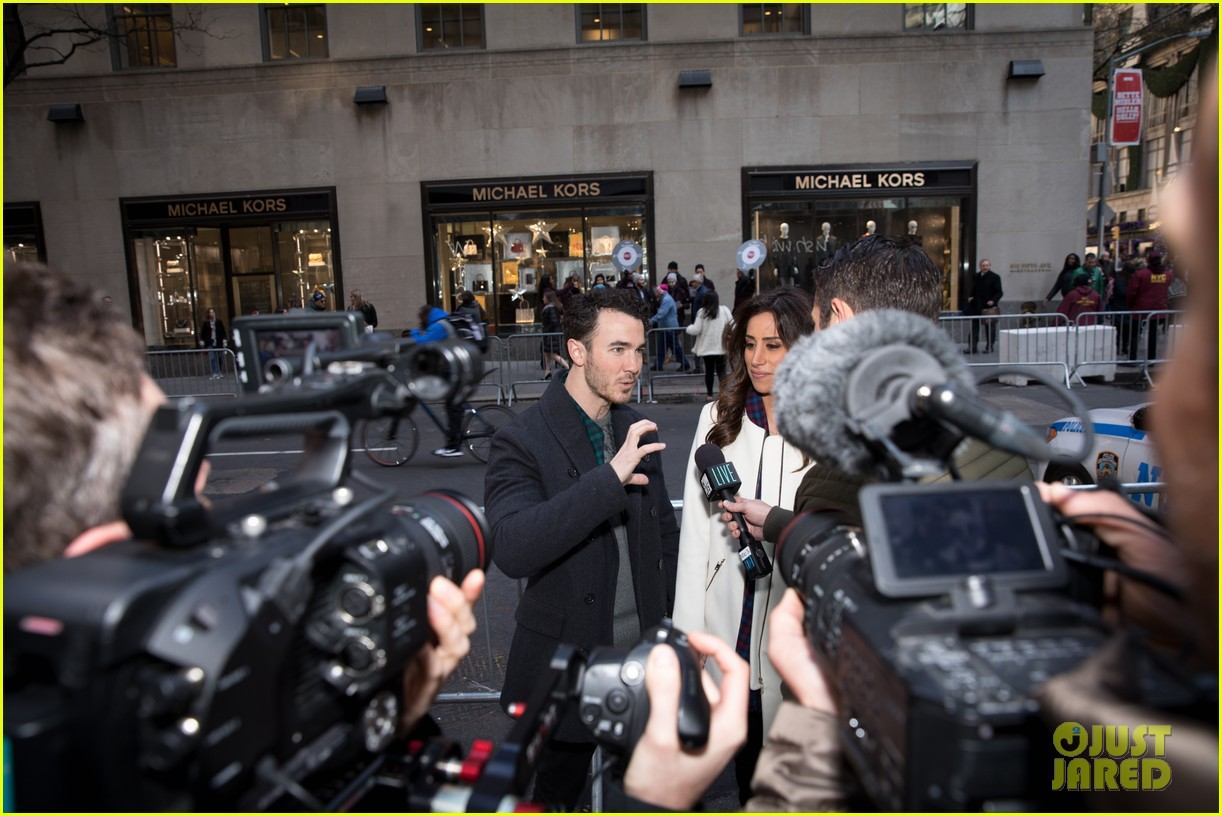 kevin jonas danielle jonas ben sherman taxis sophie join family quotes 28