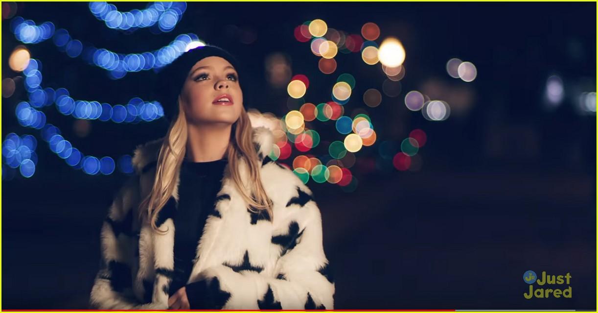 jordyn jones best christmas ever video 04 - Best Christmas Music Videos