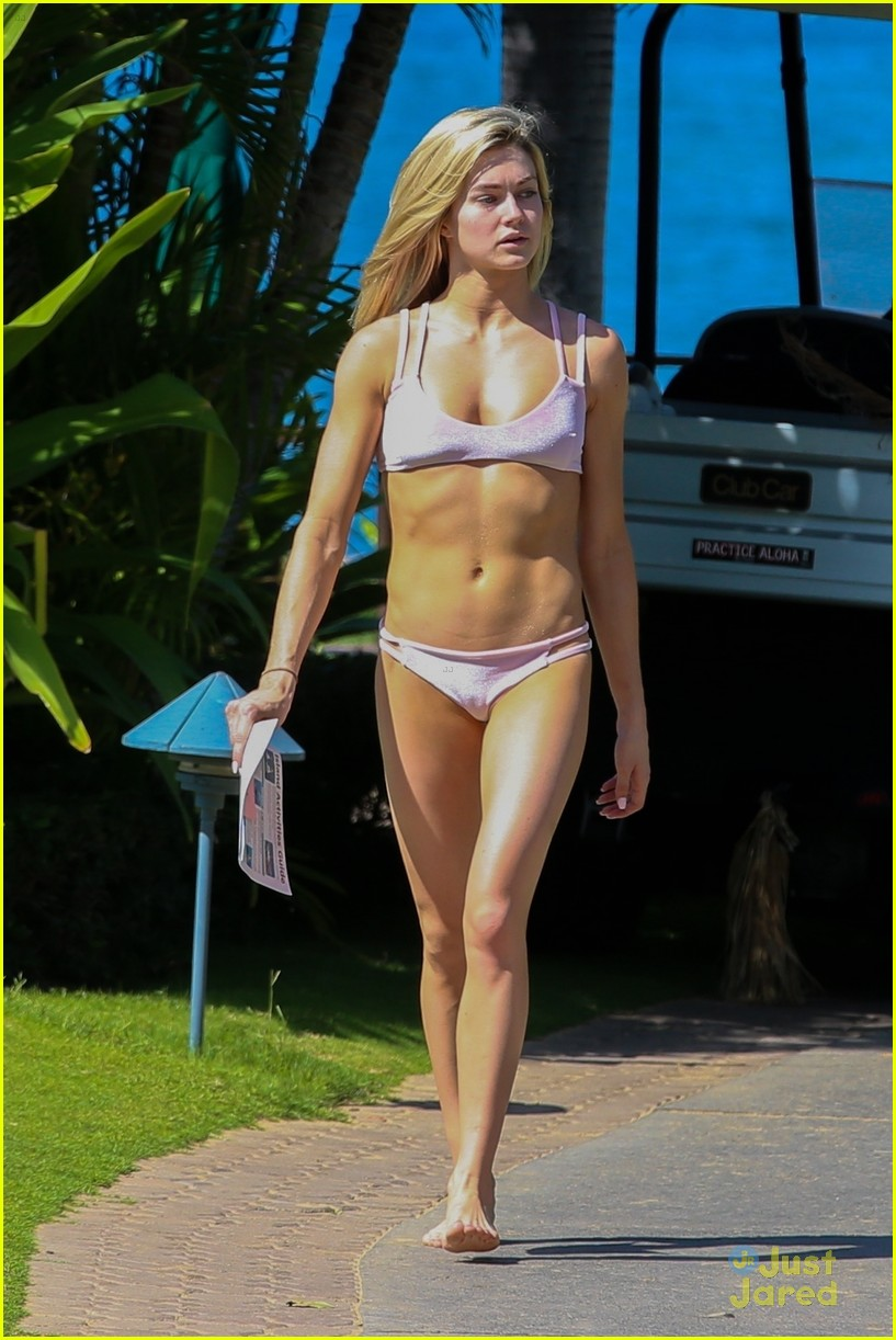 Lindsay Arnold Heads To Hawaii After Winning Dwts With