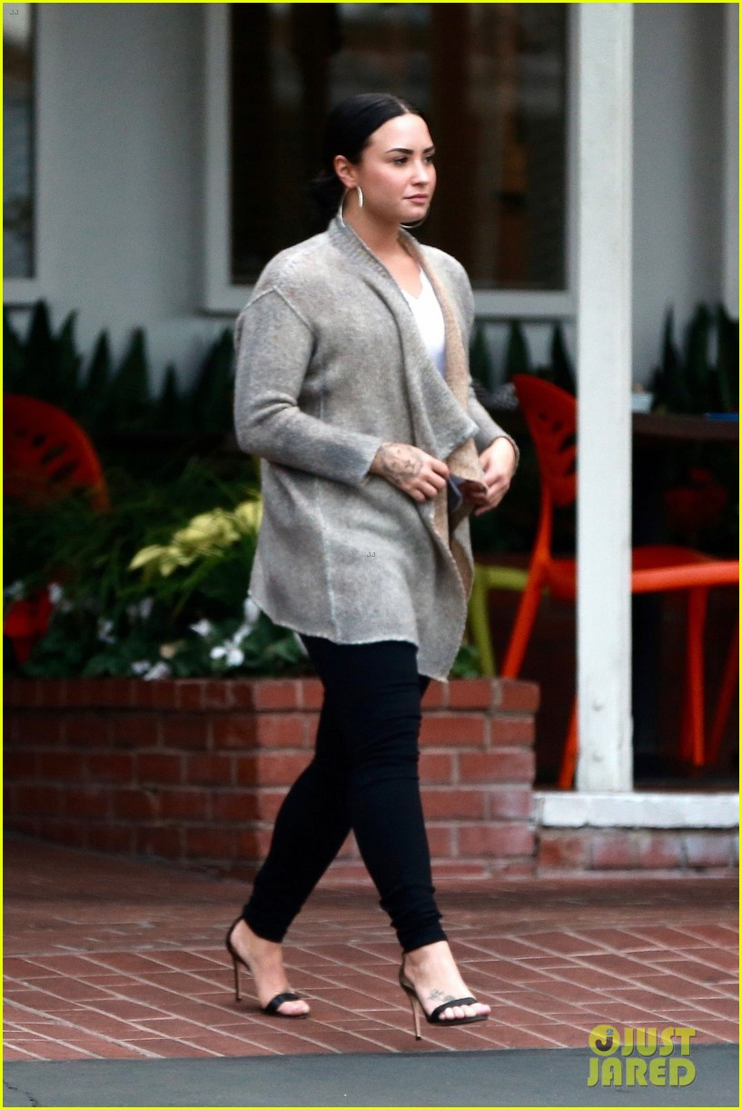 demi lovato steps out after sister madisons 16th birthday party2 05