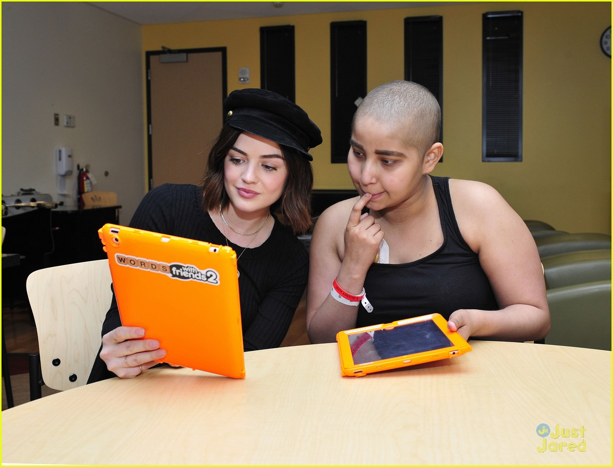 lucy hale chla visit laura french fries 06