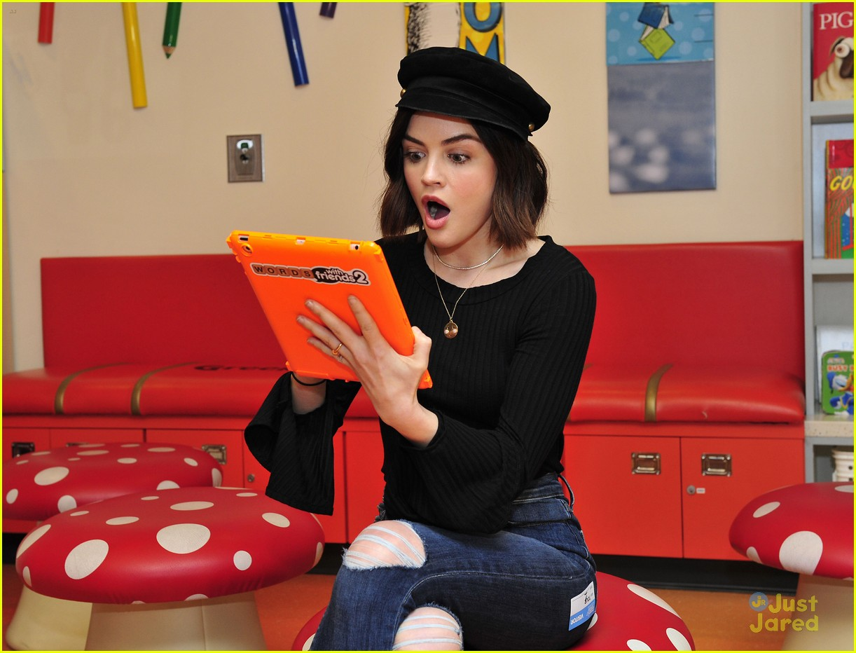 lucy hale chla visit laura french fries 09