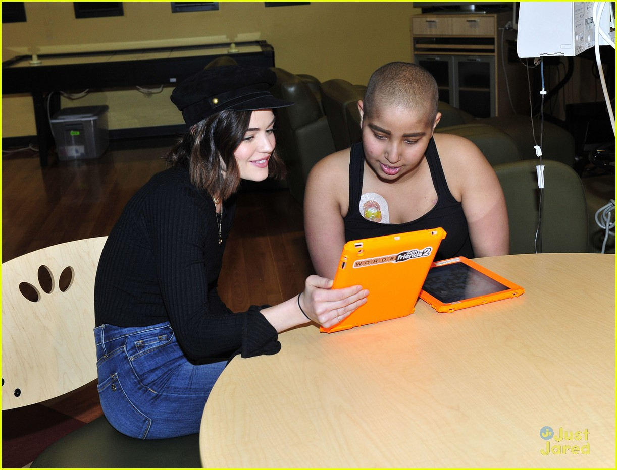 lucy hale chla visit laura french fries 10