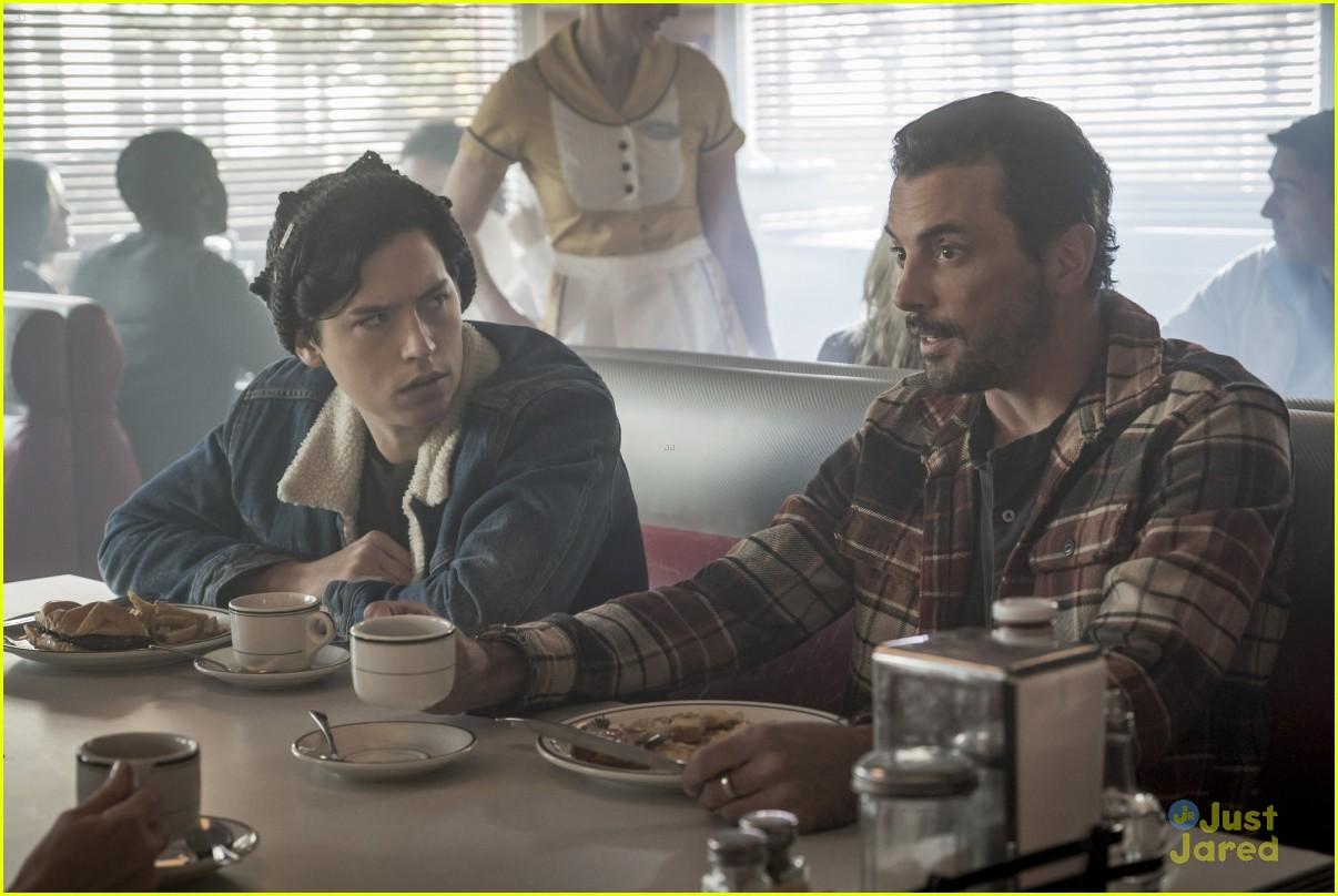 riverdale fp out jail new episode stills 06