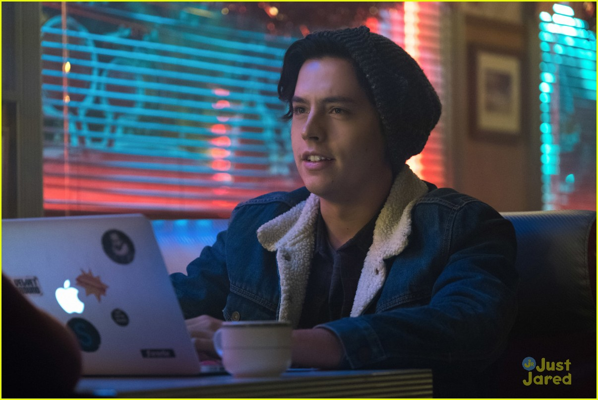 Betty S Serpent Dance On Riverdale Was Supposed To Make You