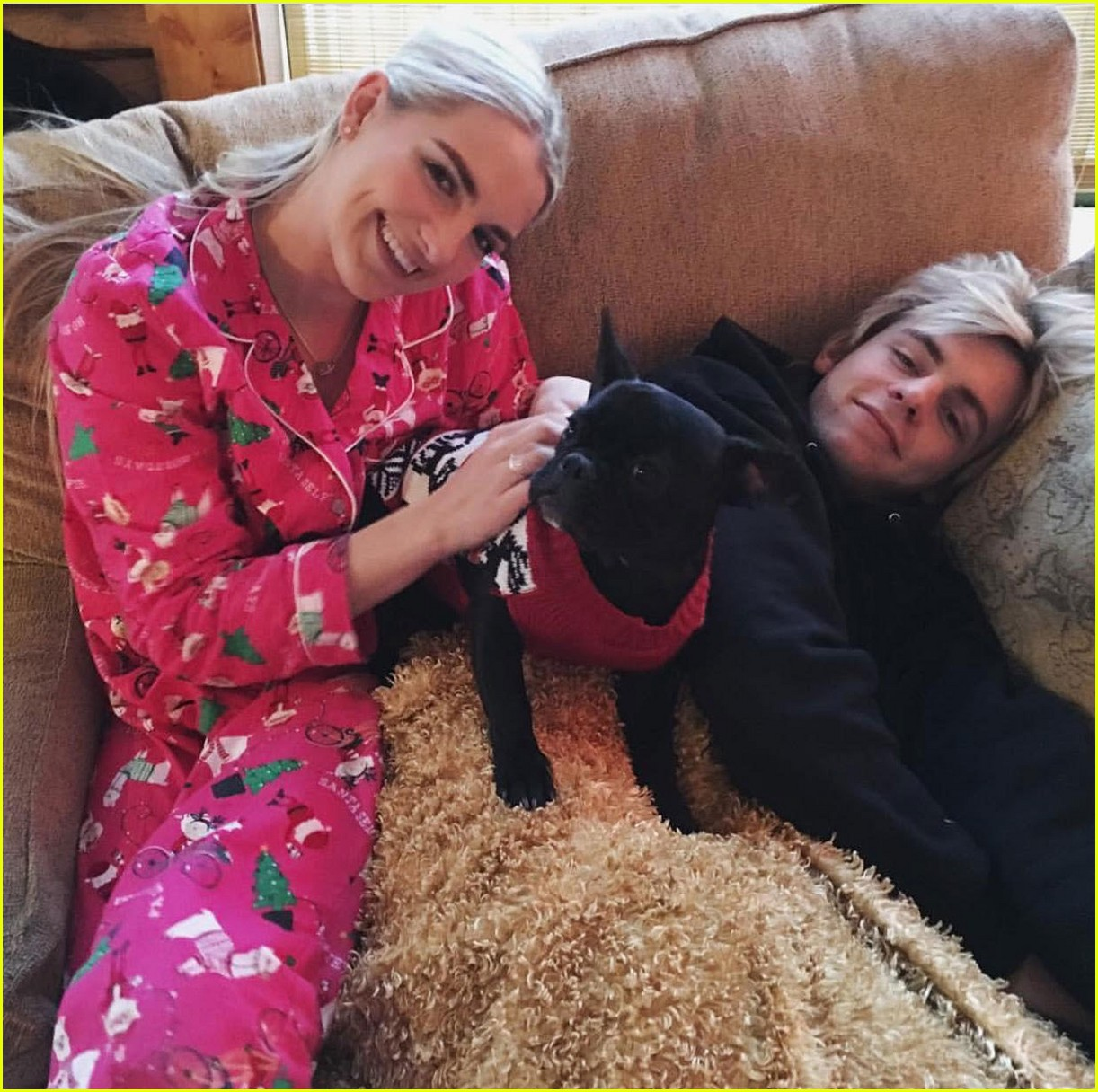 rydel lynch ellington ratliff cozy up christmas photo 01