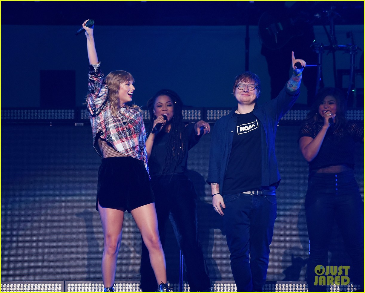 taylor swift brings ed sheeran to second jingle ball stop 04
