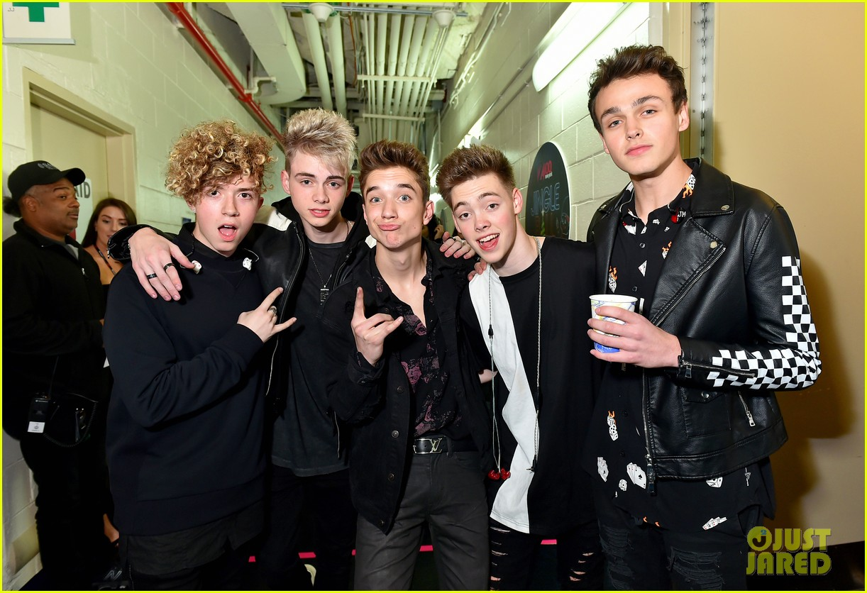Why Don T We Meet Taylor Swift Ed Sheeran After Playing Madison Square Garden Photo 1127984 Corbyn Besson Daniel Seavey Jack Avery Jingle Ball Jonah Marais Why Don T We Zach Herron