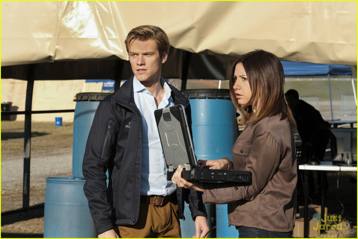 ashley tisdale lucas till macgyver tonight 04
