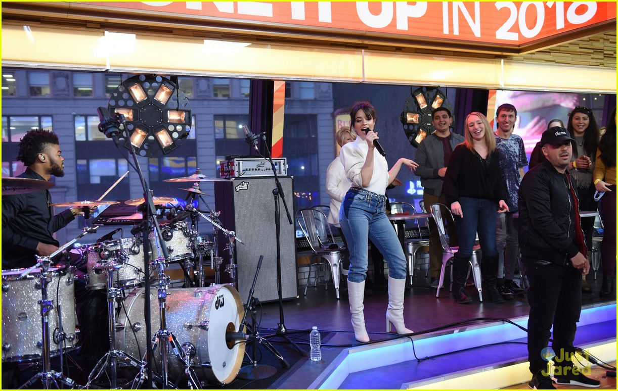 camila cabello gma performance thank you note 06