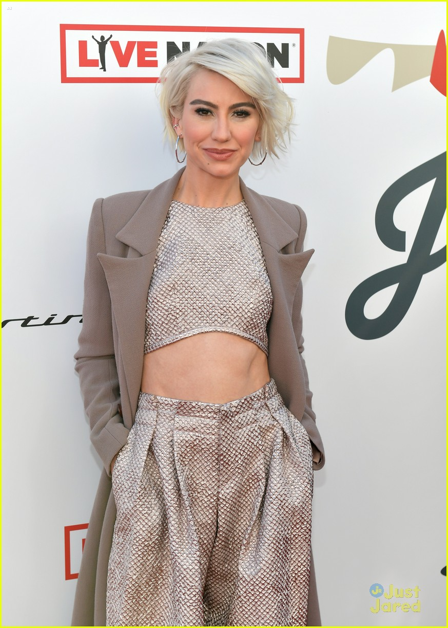 chelsea kane ashley tisdale janies fund grammys event 02