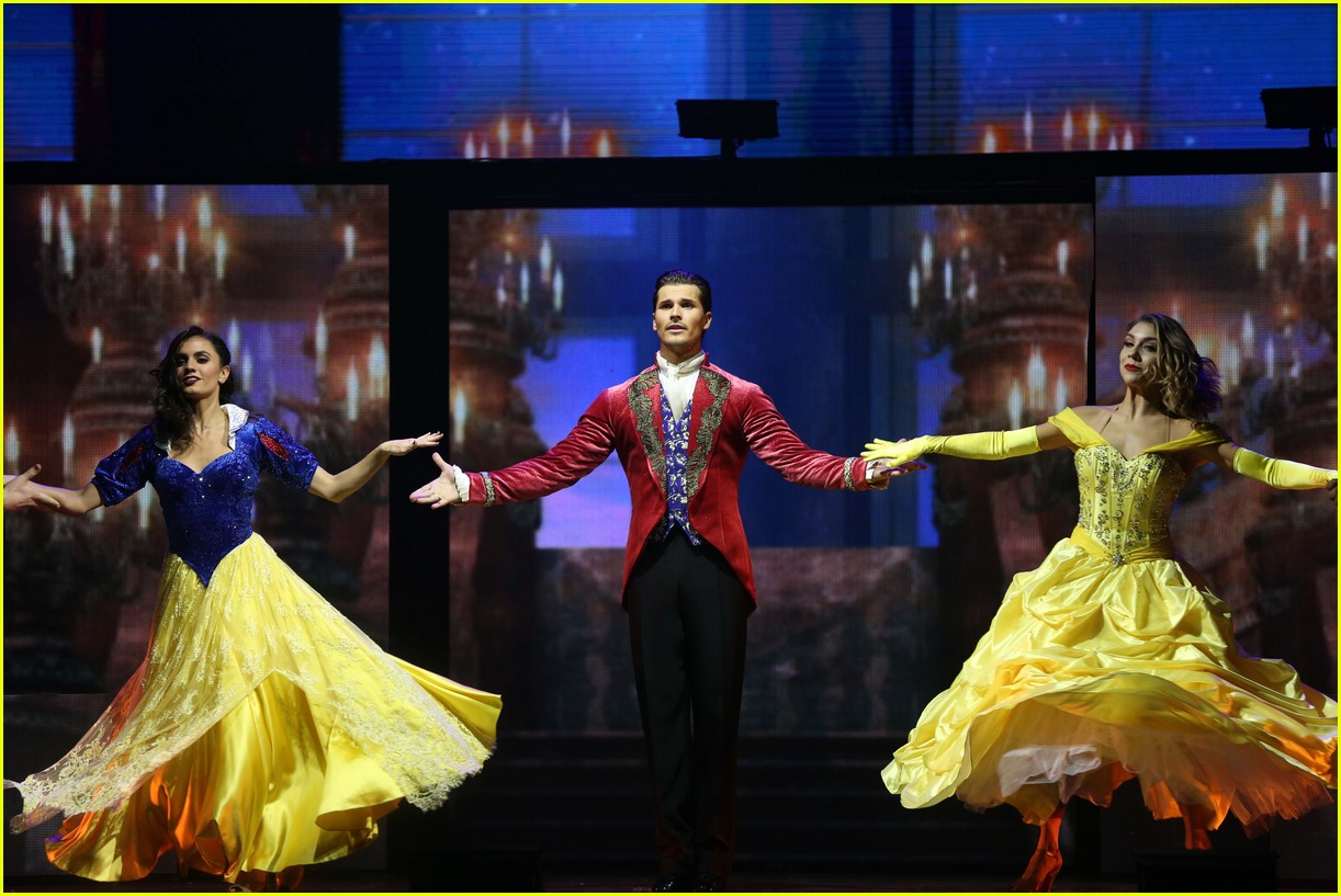 dwts light up night tour pics 42