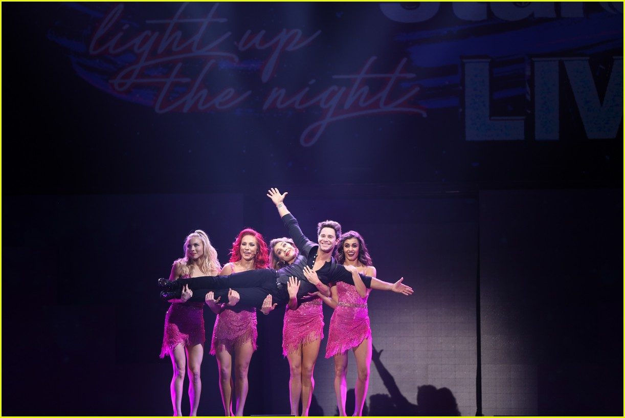 dwts light up night tour pics 54