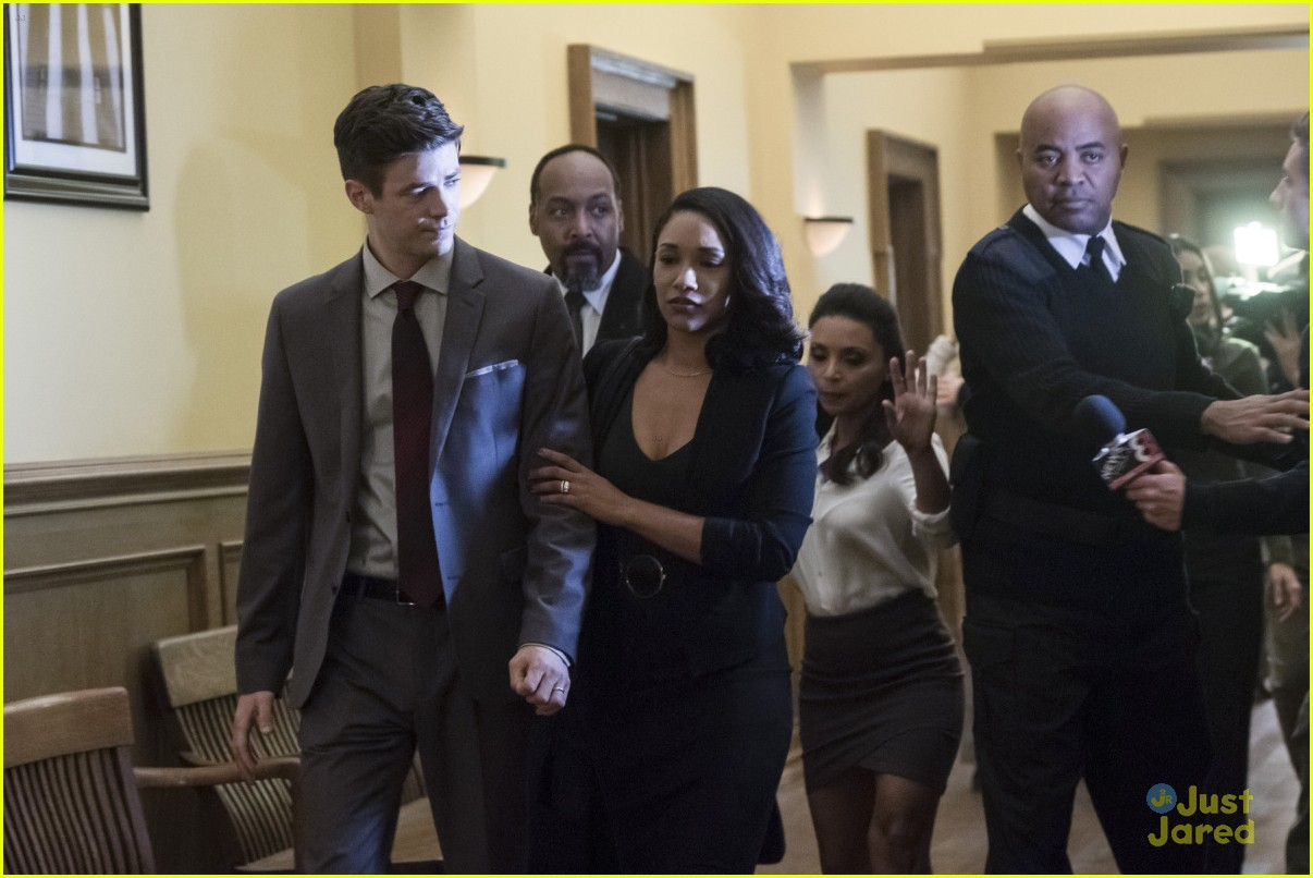 barry iris courtroom flash trial stills 05