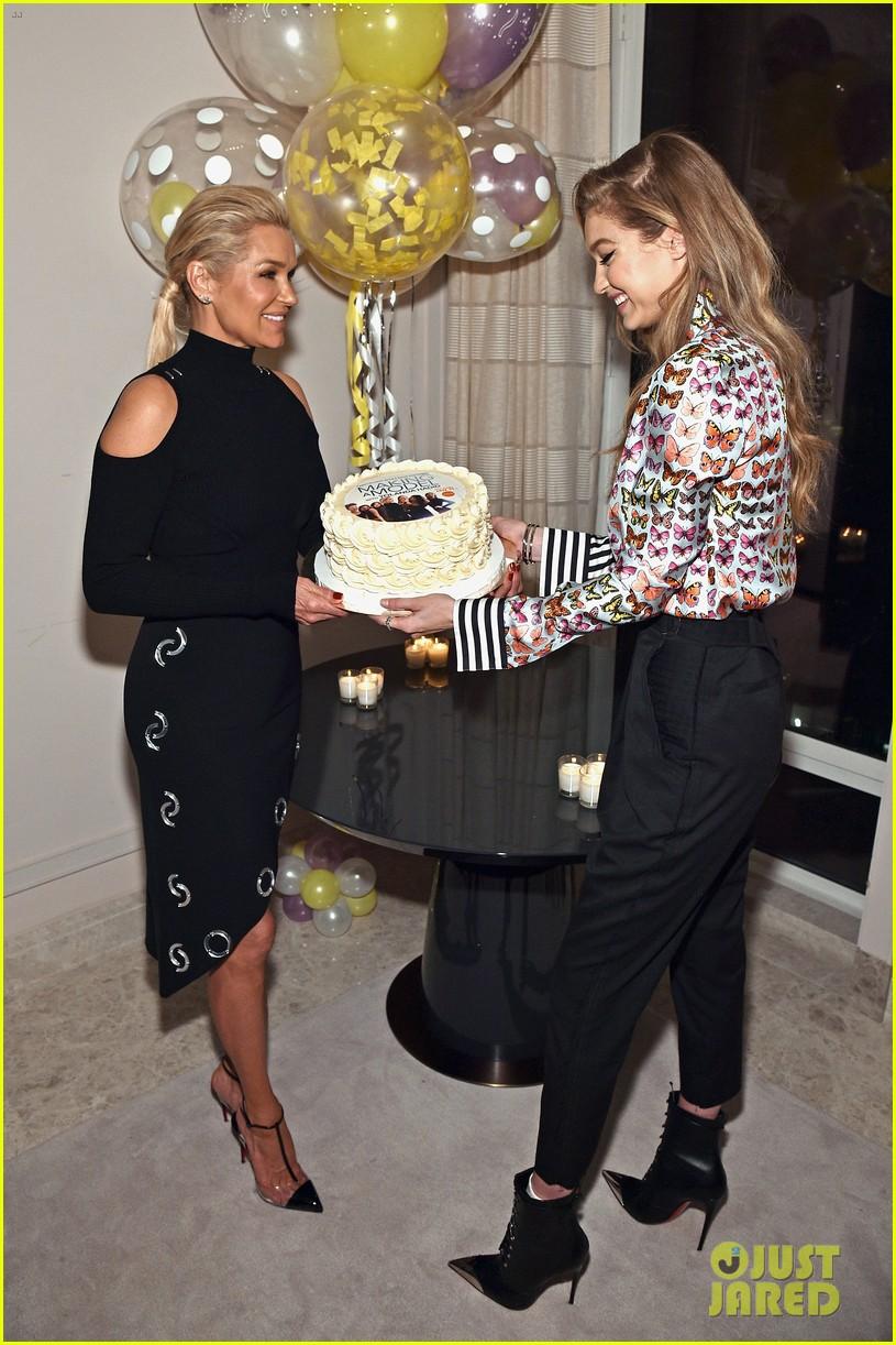 gigi bella hadid celebrate mom yolandas birthday at making a model premiere party 01