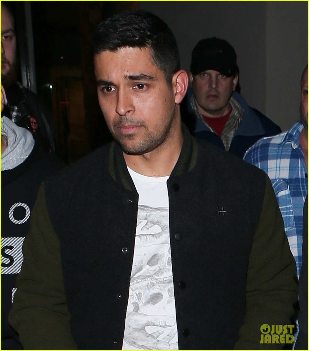 joe jonas and wilmer valderrama buddy up for weho dinner 05