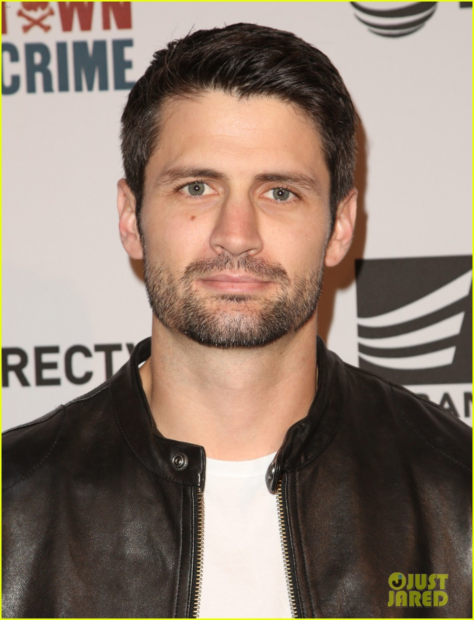 james lafferty and stefanie scott team up for small town crime screening 05