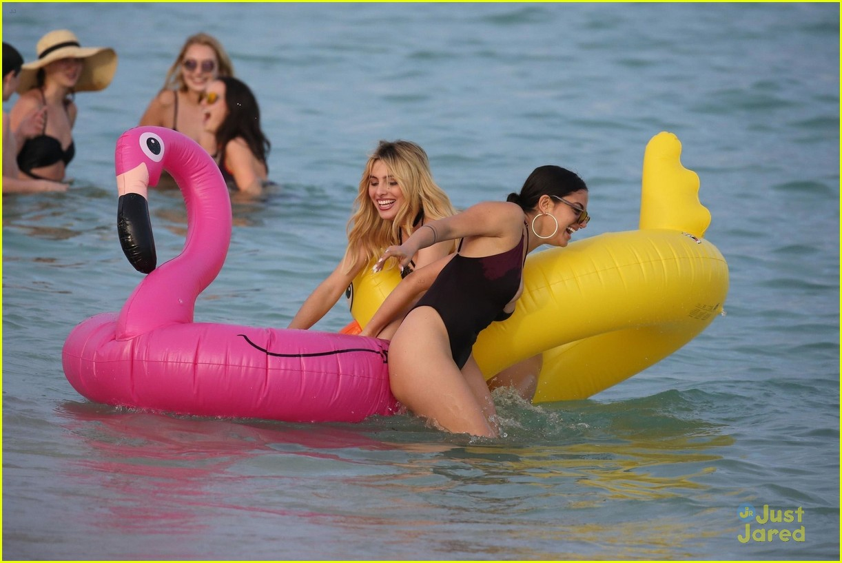 lele pons inanna sarkis miami beach nyd 05