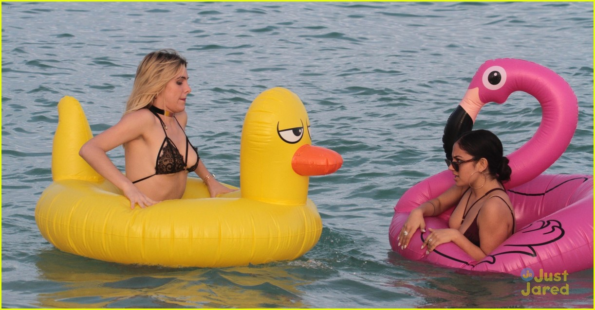 lele pons inanna sarkis miami beach nyd 07