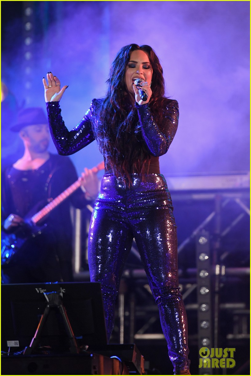 demi lovato performs in a sequined jumpsuit for nye in miami 05